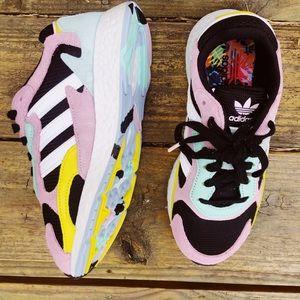 NWOT Adidas Sneakers